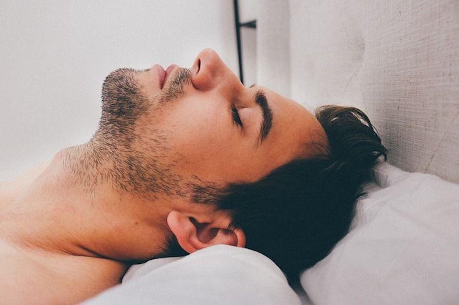 Ein Mann der den Orgasmus hinauszögert