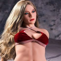 Blonde Tusso Doll mit rotem BH